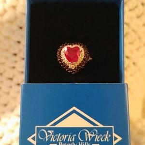 New Victoria Wieck heart ring